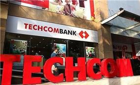 """Techcombank lãi """"khủng"""", thu nhập bình quân của nhân viên đạt 33 triệu đồng/tháng"""