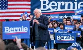 """Bản kế hoạch """"đụng chạm"""" Phố Wall của ứng viên Tổng thống Mỹ Bernie Sanders"""