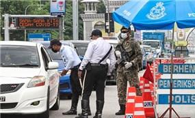 Malaysia: Xét nghiệm Covid-19 trực tiếp không cần rời khỏi xe hơi
