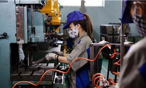 Việt Nam trước sứcép mở cửa trở lại: 3 kịch bản kinh tế
