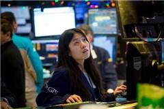 """""""Buy the Rumor, Sell the News"""" - chiến lược giao dịch nhà đầu tư nào cũng nên biết"""
